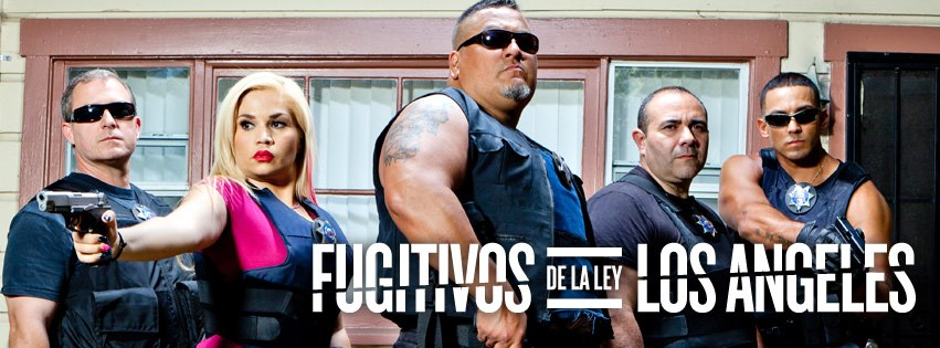 Roman Morales, middle, with the cast of Fugitivos De La Ley Los Angeles